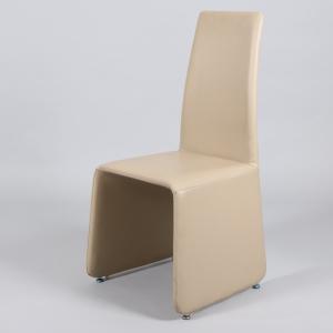 бежов класически трапезарен стол с еко кожа
