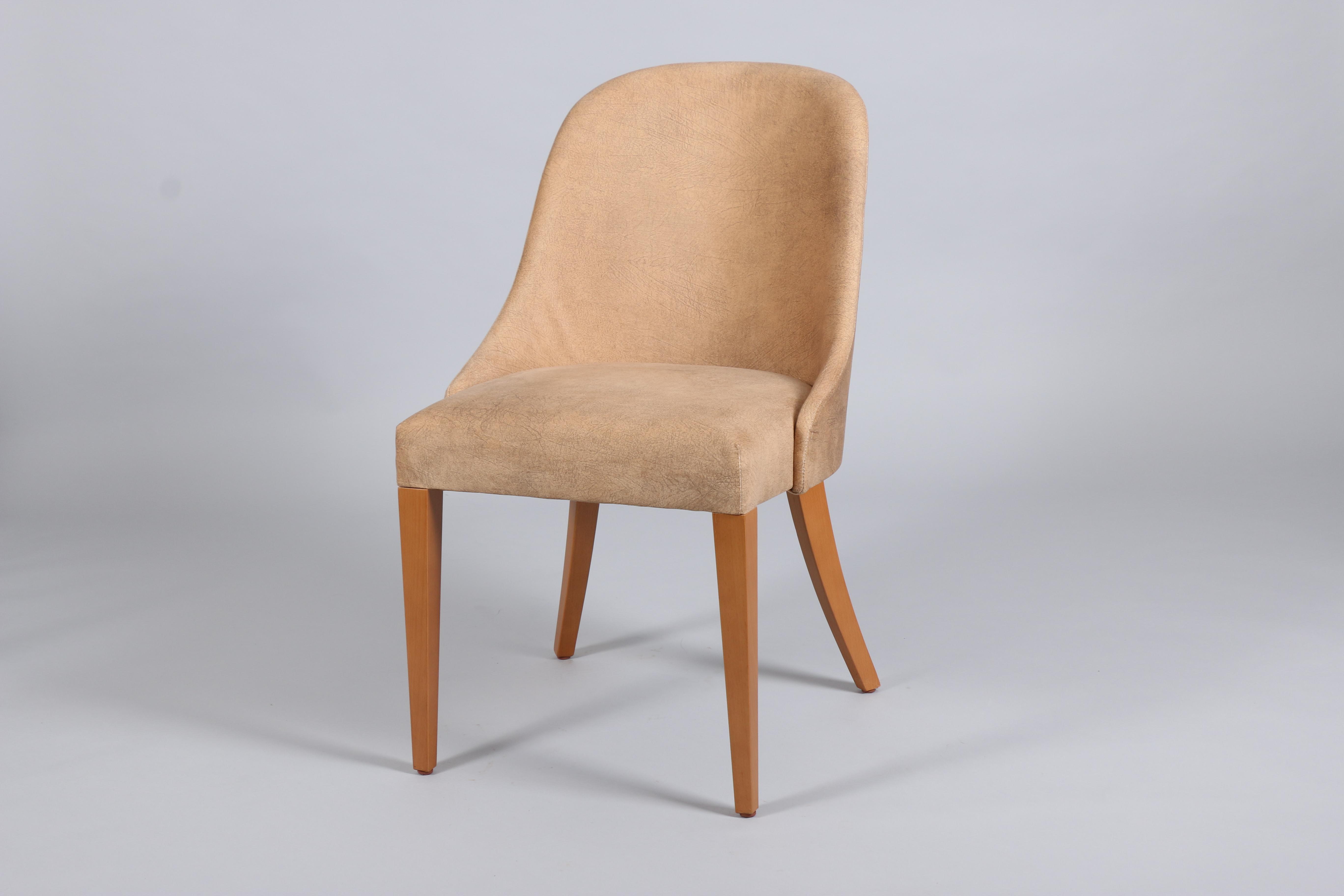 бежов дървен стол Секин