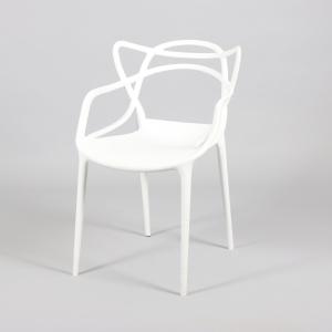 бял стол от полипропилен