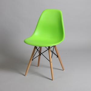 зелен стол с дървени крака IMG_5719