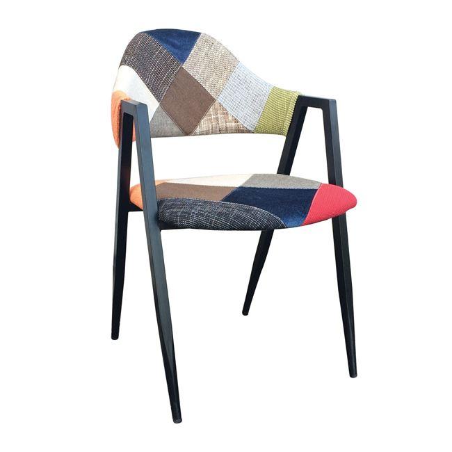 черен стол с кръпки delta 11